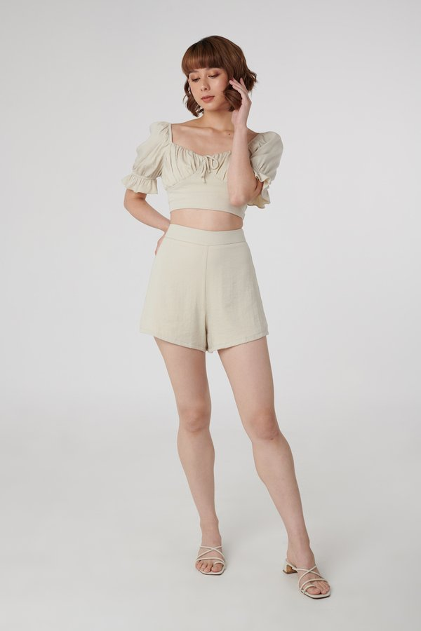 Aspen Shorts in Sand
